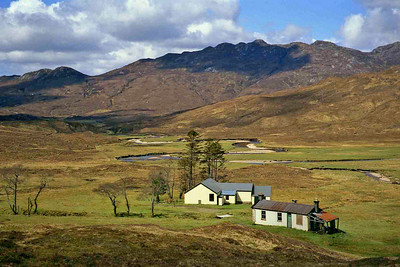 In the Strathcarron area.   17/05/95  ~ Lodge locked, cottage open.