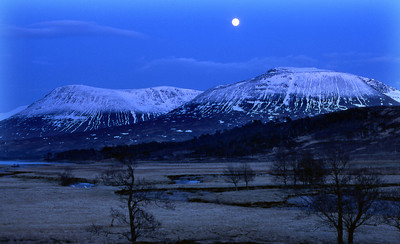 Beinn an Dothaidh and Beinn Dorain by moonlight.  8pm, 16/03/84