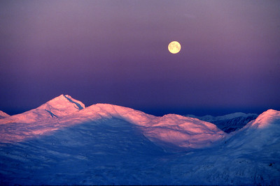 Beinn Laoigh,  moonset and sunrise.  8.50am