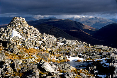 The cairn on Sgurr Ghiubhsachain.  3pm, 04/11/90