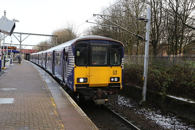 318255 is 2V39 1354 Springburn - Dumbarton Central seen here at Bellgrove