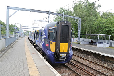 385118 having arrived from edinburgh and terminated in Platform 2 at Springburn