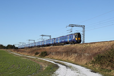 385107 and another Westbound at Freelands Road, Ratho