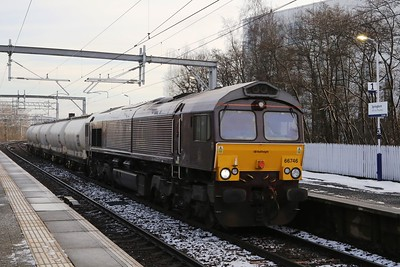 66746 in Belmond Royal Scotsman livery on  6S45 North Blyth - Fort William Alcans 4 early through Springburn