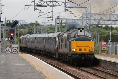 37611 gets 5Q10 underway at Bathgate with 334017 and 37884 in tow