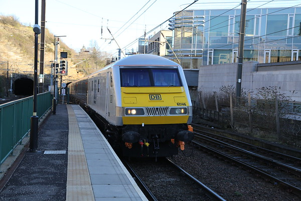 82146 leads 1Z05 ex Doncaster with 67029 on the rear.  Booked into 1 I was fortunate to opt for 7....