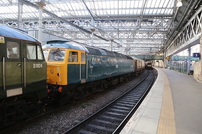47853 pretends to be 1733 behind 47810 on 1Z26 Inverness to Milton Keynes Central