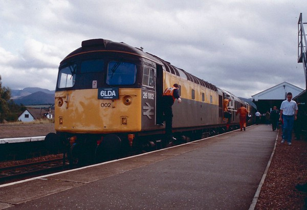 26002 26001 and 26042 just prior to 26002 being ripped, having worked on top since Perth