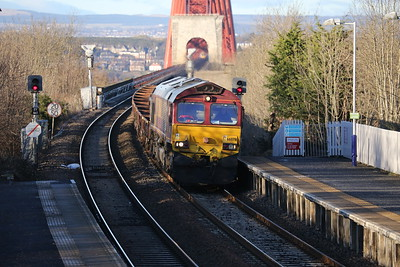 66078 about to join Cliff's band The Shadows as she doesn't try too hard through Dalmeny 080215
