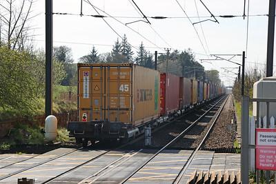 66762 4S69 Doncaster I-Port - Elderslie passes Kirknewton 22nd April 2021