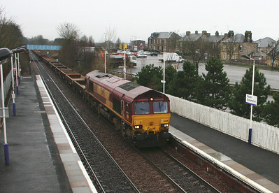 66091 in the gloom at Falkirk Grahamston
