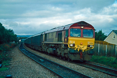 66008 passes Camelon with the Royal Scotsman