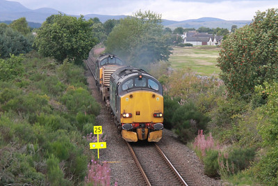 37608 leads 6M98 and 37218 for Carlisle at Muir of Ord 3rd September 2013