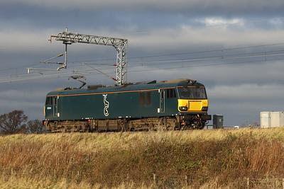 92014 0Z92 Polmadie - Edinburgh passes Freelands Road Ratho 19th November 2020