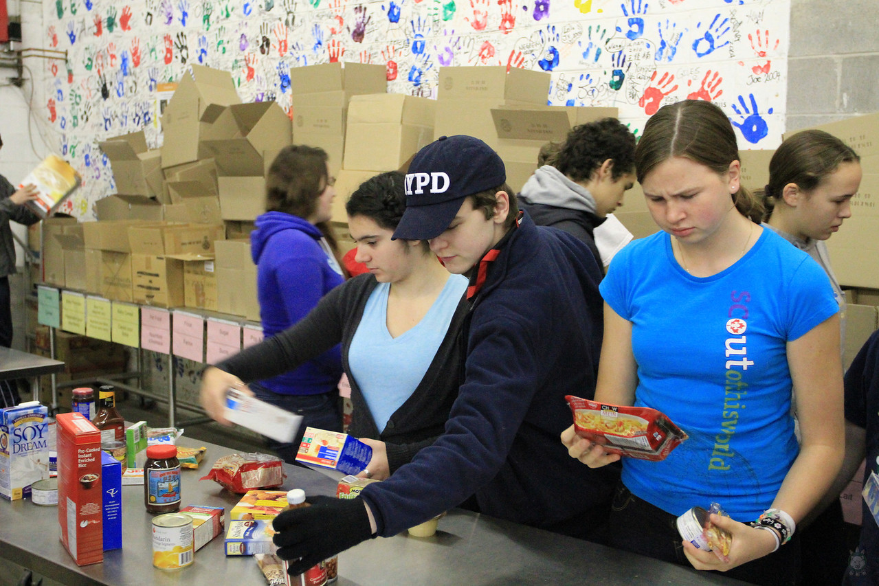 Food_Drive_Scout Food Drive_IMG_0881
