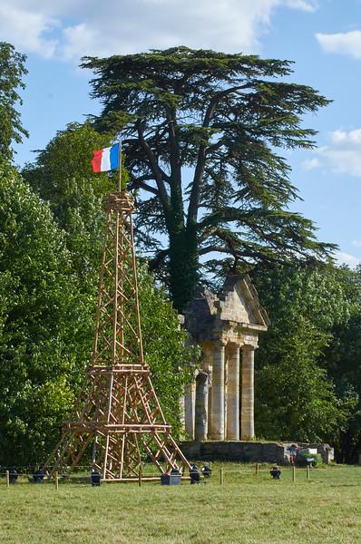 Tour Eiffel et Temple Grec