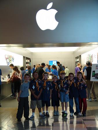 Apple Store 10-20-10