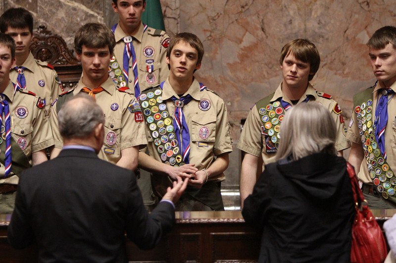 Senator Mike Hewitt questioned by Eagle Scout Justin Pacholec (8190)