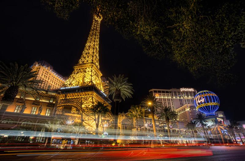 Look at me, Paris!