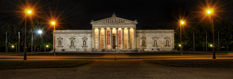 Glyptothek at night