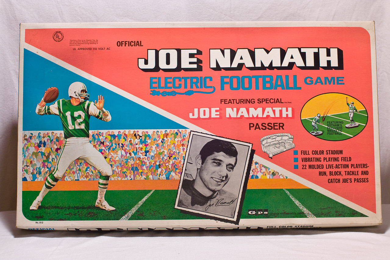 Joe Namath Electric Football game  Available to bring now or for a later auction.