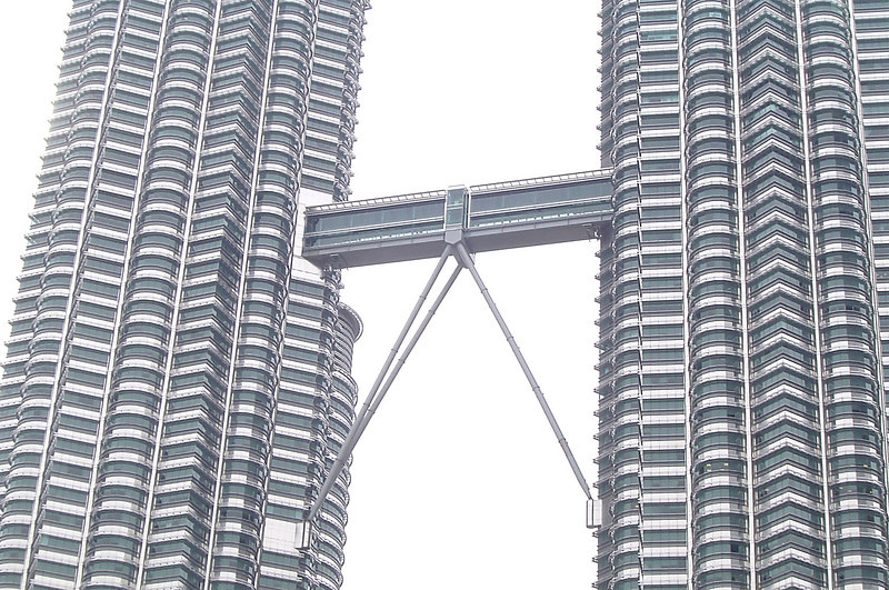 KL Towers - Skybridge Detail - 008