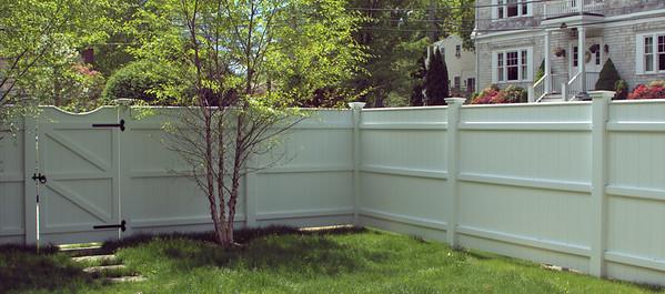 177 - 493813 - Rowayton CT - Chesapeake Board Fence