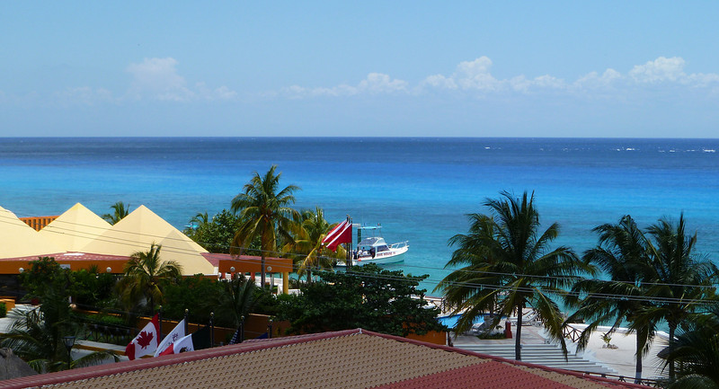 We can even see the dive boat from our room!