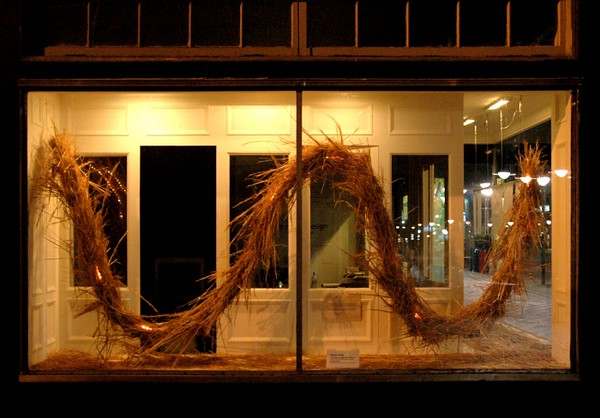 "<h2>Strawbale Sinewave </h2>Community Design Center, Charlottesville, Virginia ""What is Sustainability?"" Exhibit straw, wire, tubelighting 144"" x 60"" x 30"" June, 2005"
