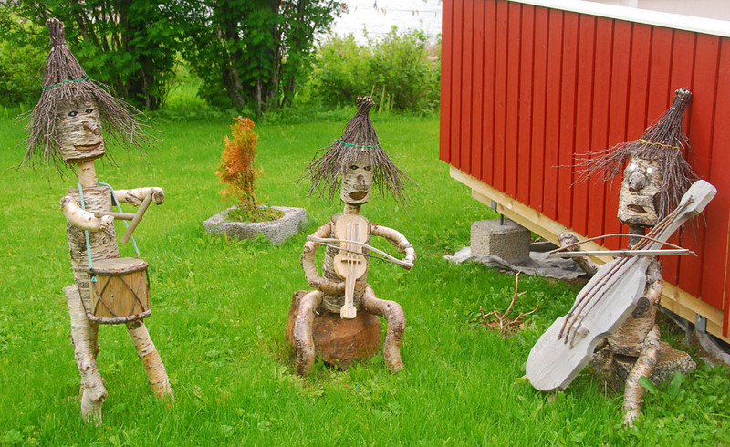 Norway is of course the land of trolls, which can cause problems of all sorts.  (Remember the three billy goats gruff and the bridge troll?)  However, trolls are usually active only at night so we didn't see any.  The closest we came to trolls were these musicians in a yard in Digermulen.