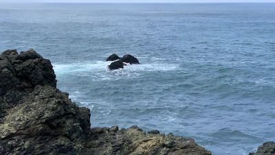 Surf on the rocks at Sea Ranch