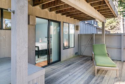 Back Deck..  Walk out-in to Master Bedroom