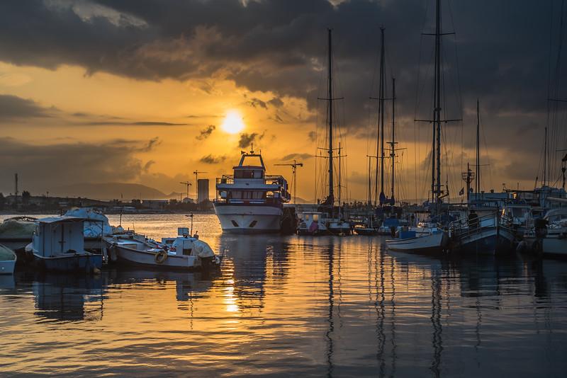 Sunrise at Acre / Acko port