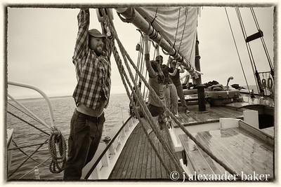 Riding the mainsail boom