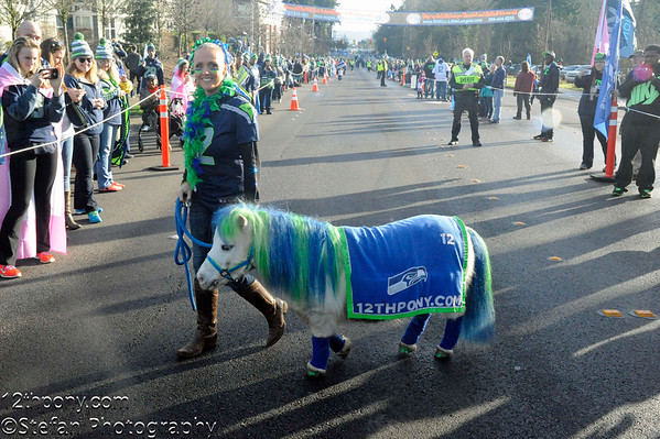 01-25-2015 Seahawk Super Bowl Send Off with 12th Pony