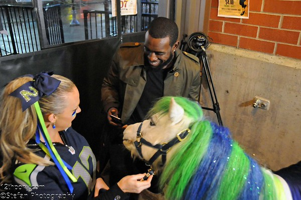 12-07-2015 Kam Chancellor & UGM Toy Drive with Wilson the 12th Pony