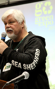 Captain Paul Watson answers questions from the crowd. Captain Paul Watson speaks at the Go Green Expo in Los Angeles, CA on April 16, 2011 - L.A. Convention Center.  Photos by Erin Suggett for Sea Shepherd.  © Erin Suggett Photography 2011.  All Rights Reserved.