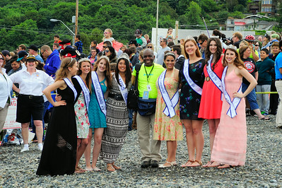 Seafair Princesses with a lucky Jamie Mitchell by Will