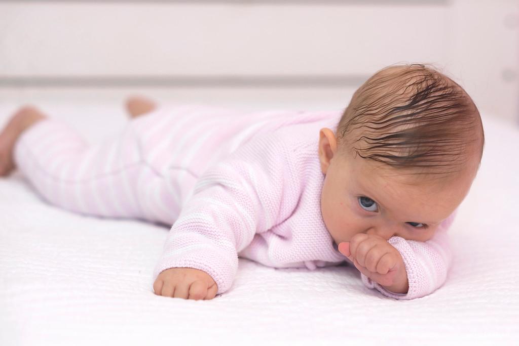 Petite fille bébé - séance photo Montpellier