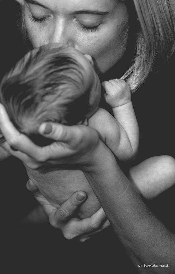 Photo de nouveau-né - séance photo famille montpellier