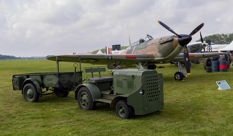 1940 Hawker Hurricane Mk.X - 1940s Clark Clarktor 6