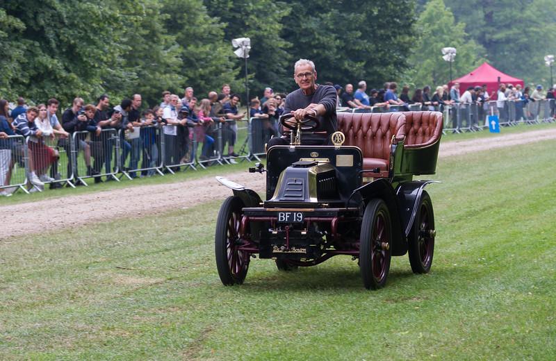 1902 De Dion Bouton 8hp Rear-Entrance Tonneau Body