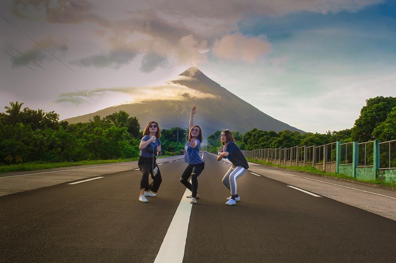 3 sister at Mayon