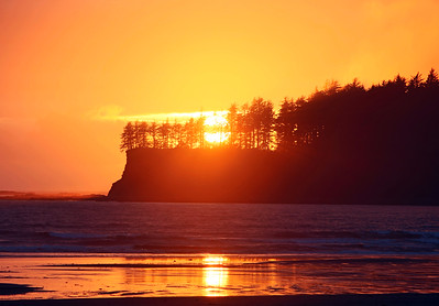 Sunset over Hobuck Beach in Washington