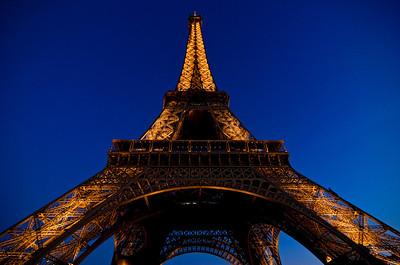 """"""" Eiffel ... """""""