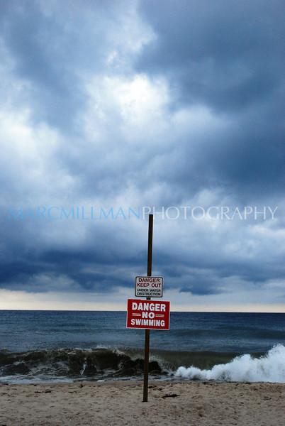 Ominous skies (Mon 8 11 08)
