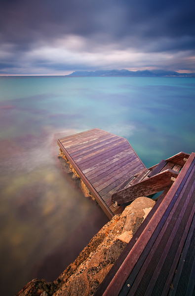 <b>Diving Board @ Cannes (French Riviera)</b> <i>Canon EOS 5D Mark II + Canon EF 17-40mm f/4L USM</i>