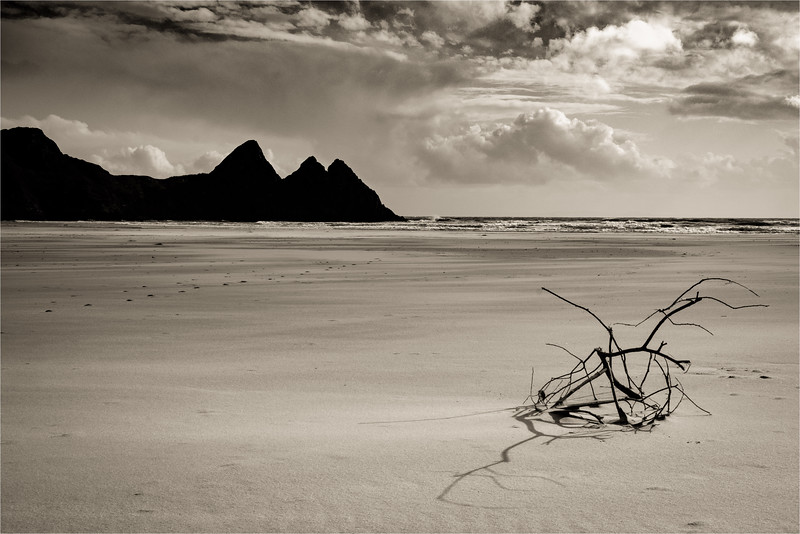 Winter Sun at Three Cliffs Bay