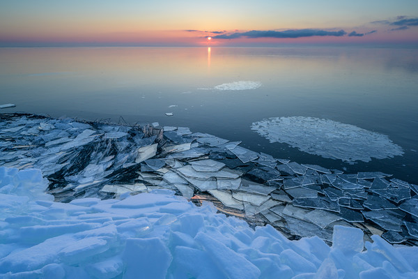 Ice to the Horizon