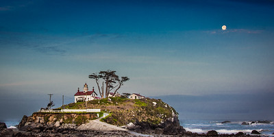 Battery Point Lighthouse with Full Moon